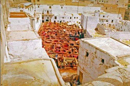 Teñido de cueros en Fez