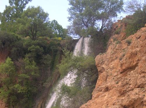 Cascada en los alrededores de Imouzzer