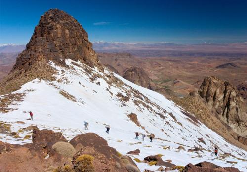Ascenso al Jebel Sirua, turismo aventura del mejor