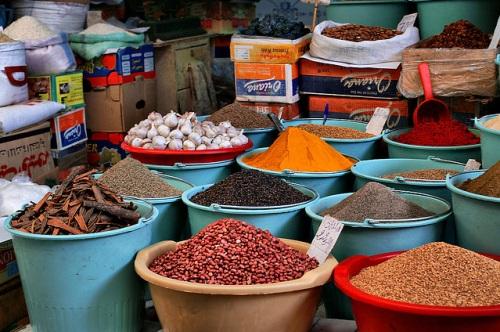 Aromas y colores en los mercados de Fez